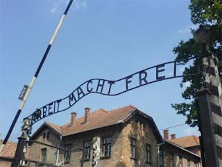 Mulher de 91 anos é acusada de ser cúmplice da morte de 260 mil judeus