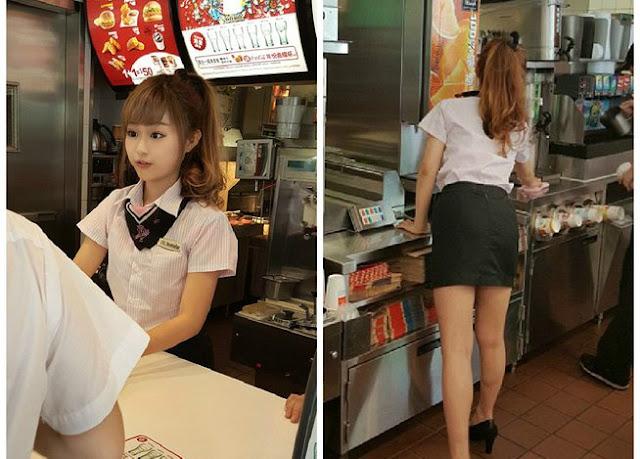 Pelayan McDonald Paling Seksi