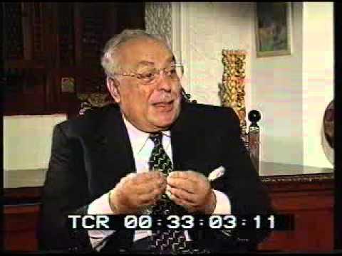 عبد القادر حاتم.. الأب الروحي للإعلام المصرى والعربي(1918 ـ 2015)