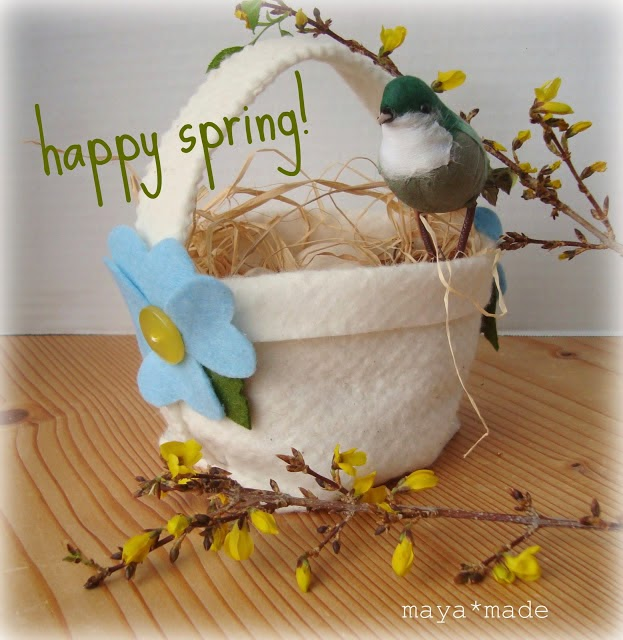 http://mayamade.blogspot.nl/2009/03/simple-spring-basket-how-to.html