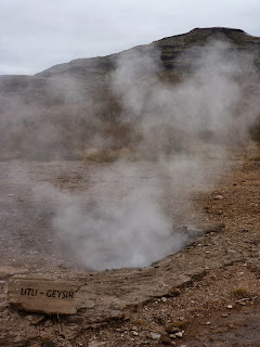 Fumeroles and geysirs