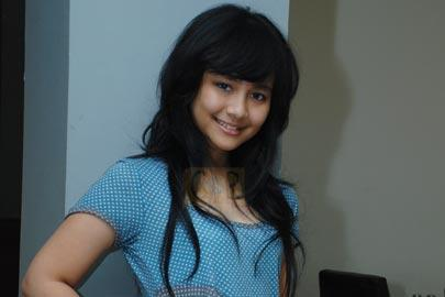 Gita Gutawa on Gita Gutawa Option Gallery