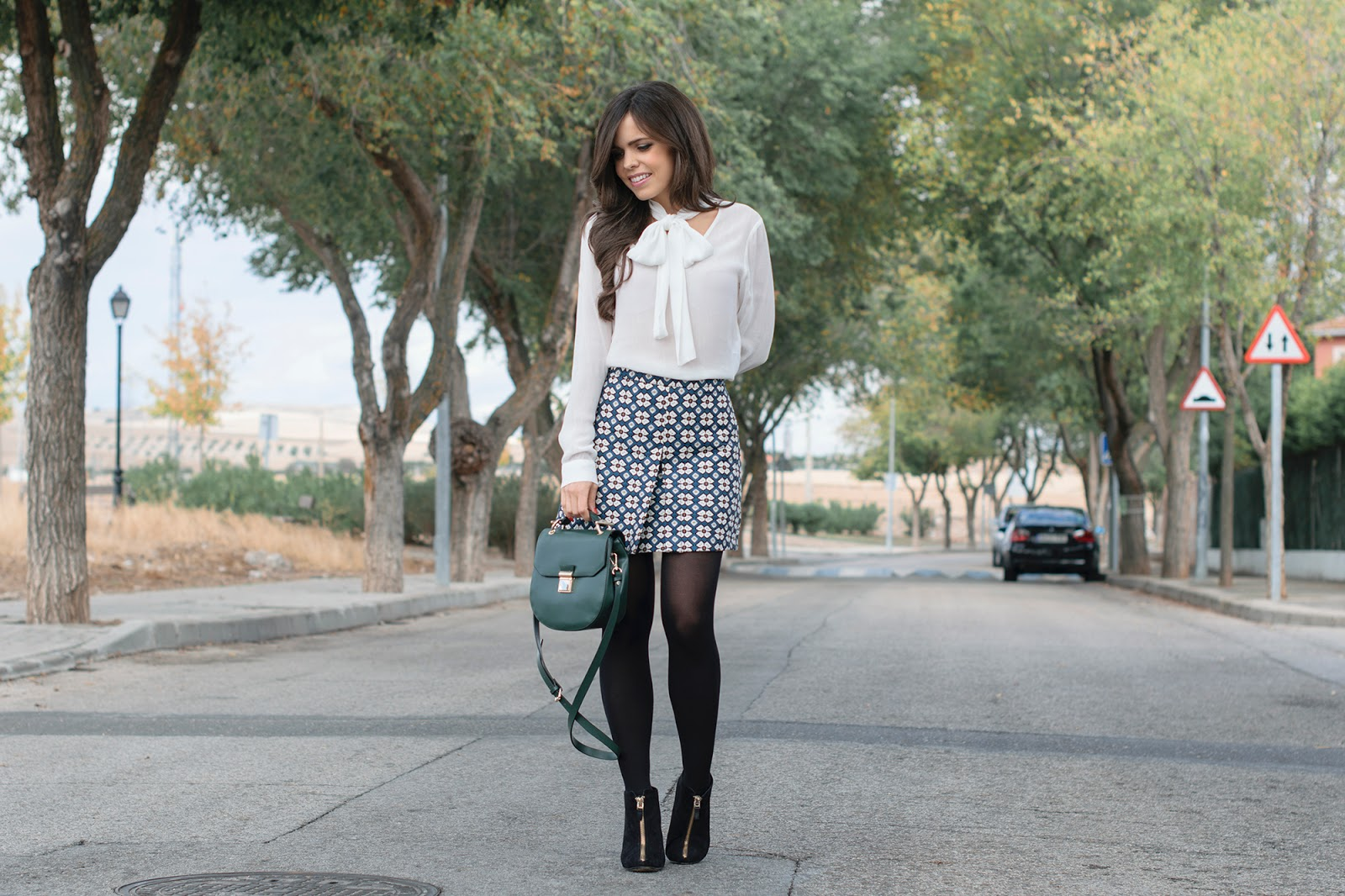 total look de zara con falda evase estilo retro