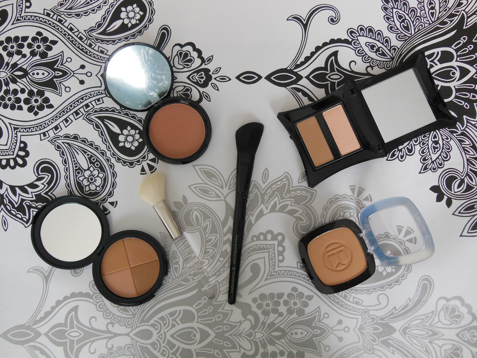 contouring products for pale skin