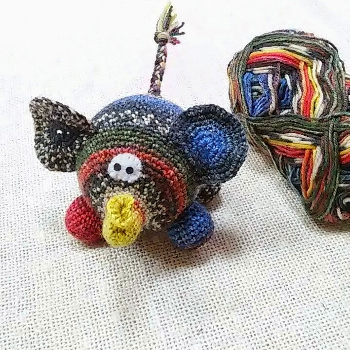 вязаная игрушка для детей слон