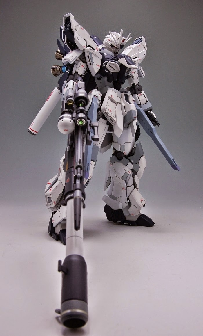 1/100 Sinanju Stein Glanzend - Custom Build