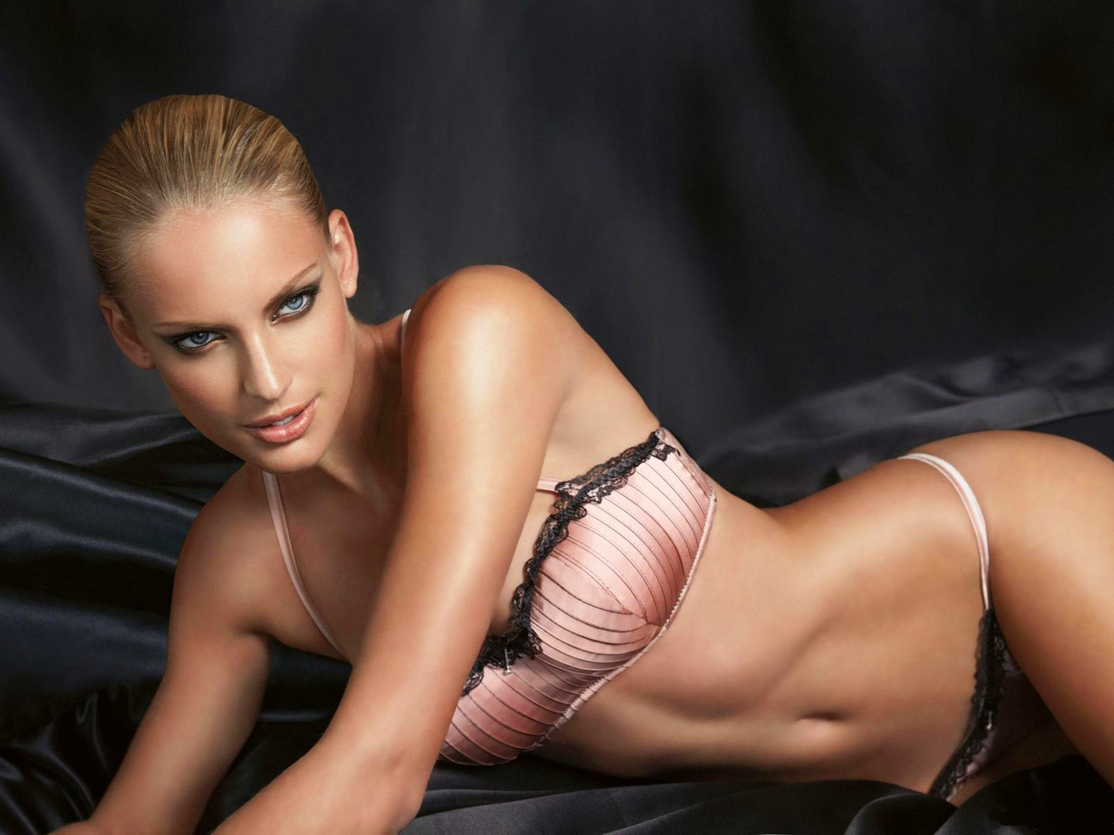 Nude beach lesbian
