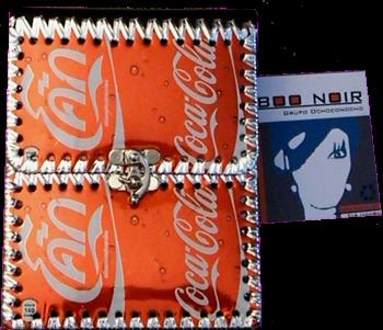 cartera hecha con anillas o aros para abrir latas de alumnio