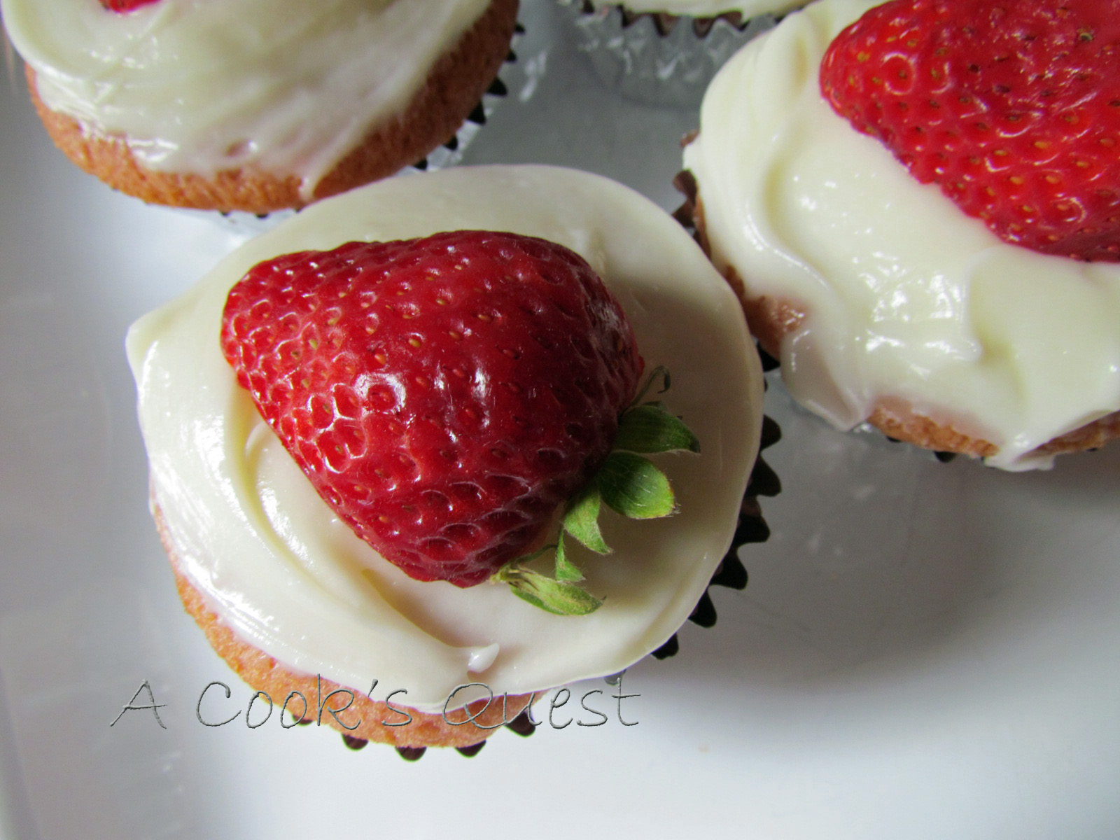 A Cook's Quest: Strawberry Cupcakes with Cream Cheese Frosting