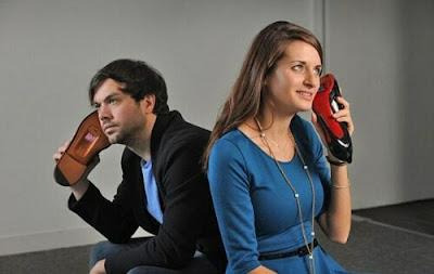 Curiosos sapatos telefone