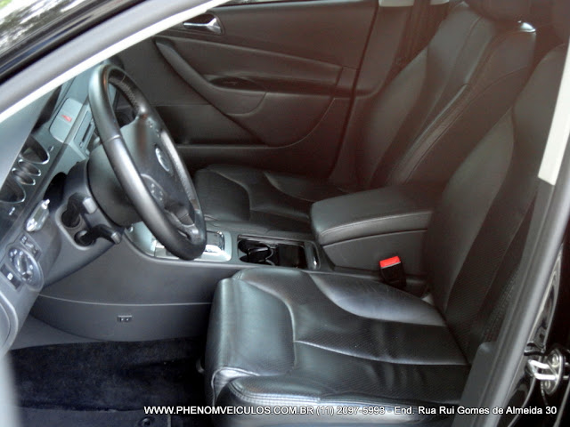 VW Passat 2.0 FSI 2006 interior