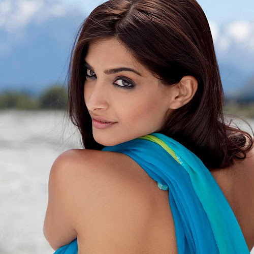 Sonam Kapoor New Wallpapers