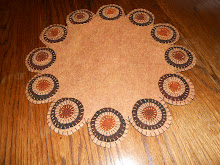 PRIMITIVE BROWNS RUSTS, SCALLOPED ROUND PENNY RUG CANDLE MAT