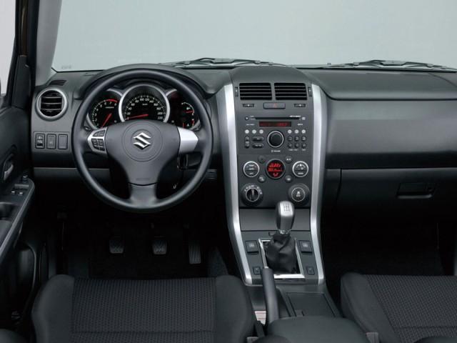 Suzuki Grand Vitara 2013 interior
