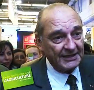 j'ai voulu imiter ce pèquenot de Chirac en caressant le cul d'une vache