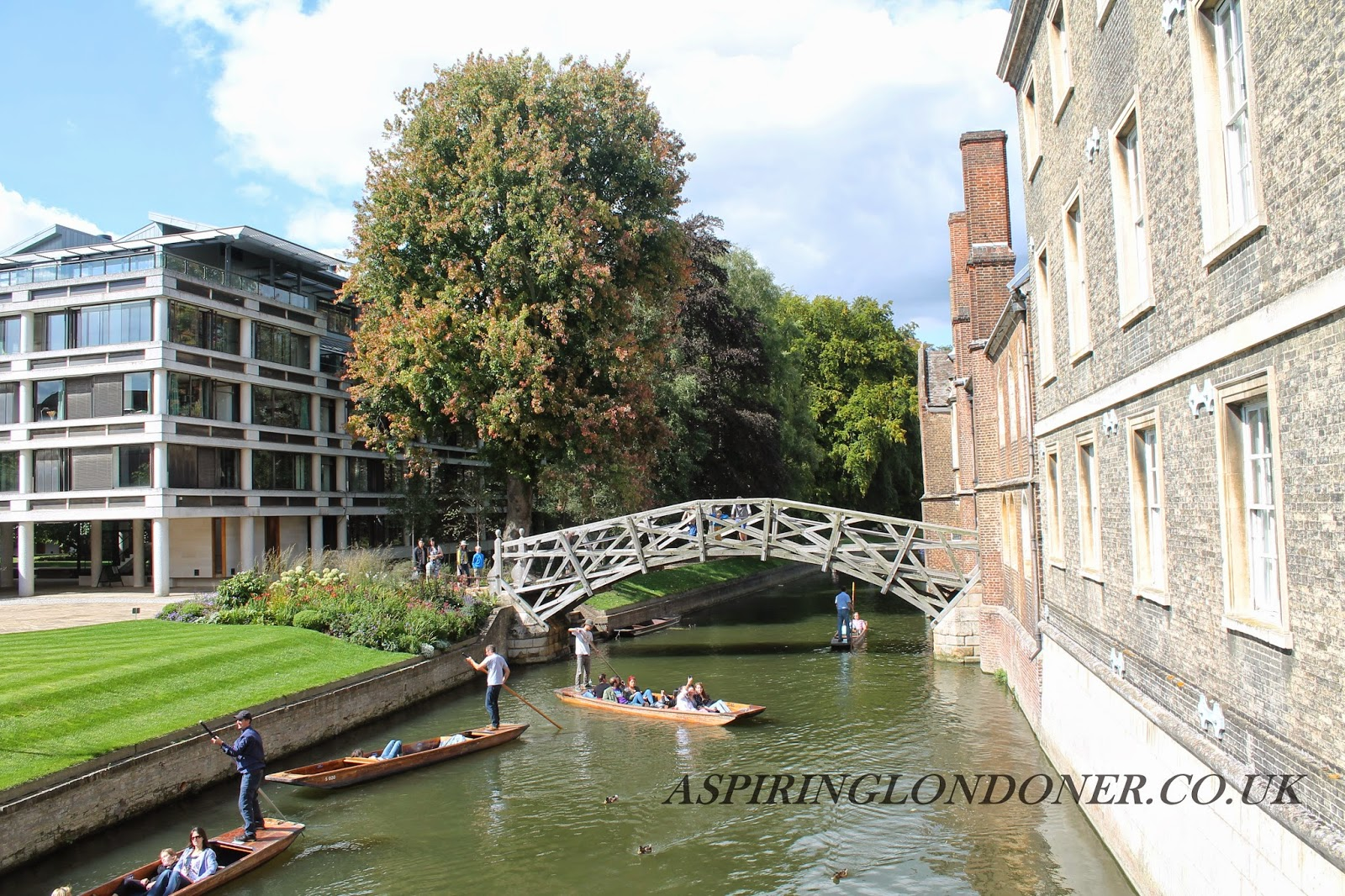 Mathematical Bridge on River Cam, Cambridge, UK - Aspiring Londoner