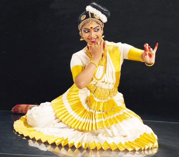 essay on dances of india Dance was performed as part of hindu rituals for many centuries, and several classical dance traditions of india originated as regional temple dance forms according.