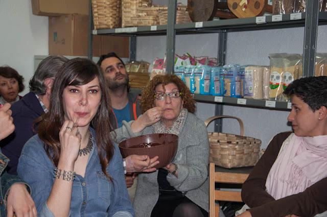 algunos momentos de la degustación de chocolate ecológico