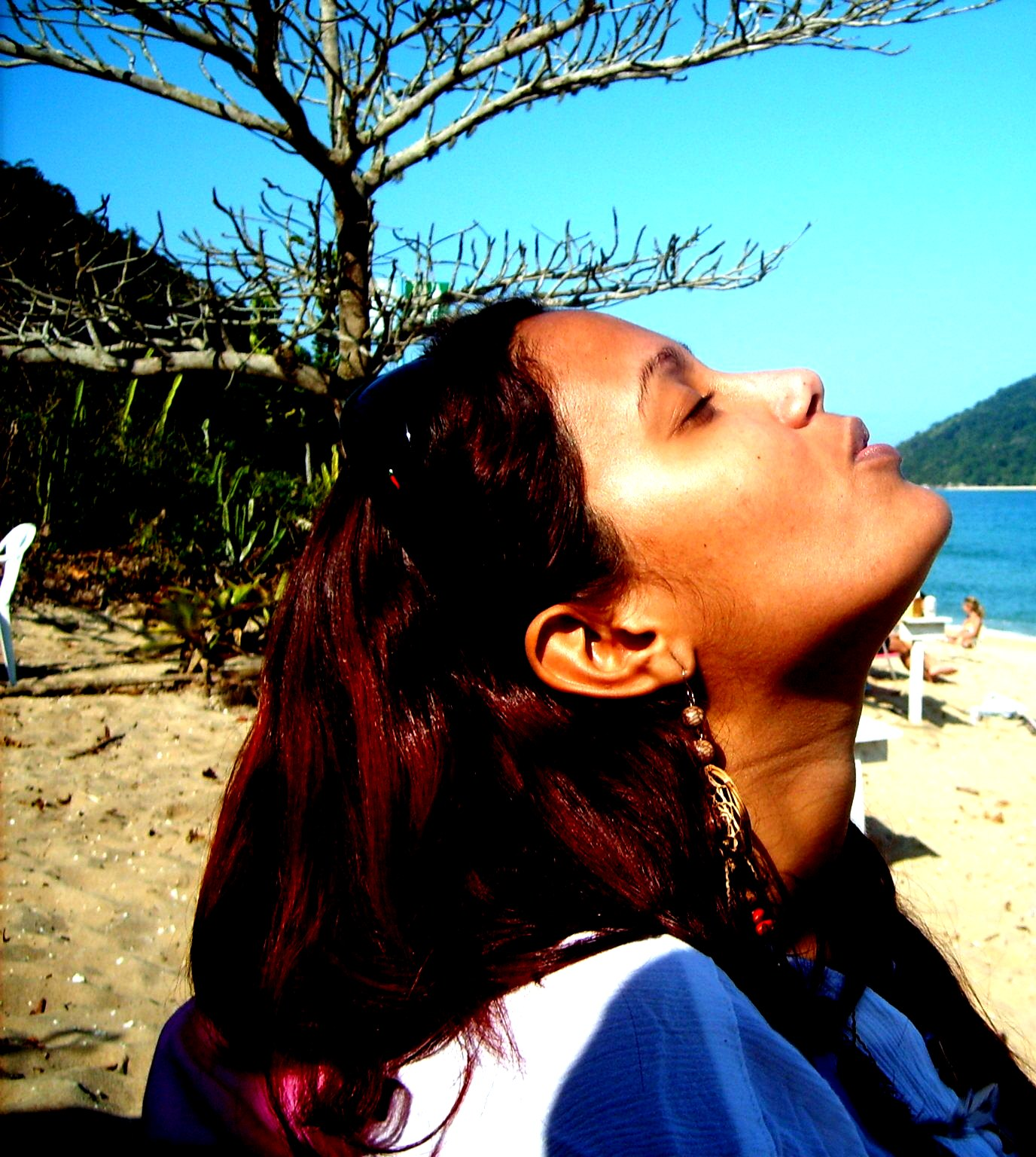 http://1.bp.blogspot.com/-WOp3Q2aGvVA/TdgW5FL59UI/AAAAAAAAATU/PCJf-a6-3-4/s1600/praia+e+festa+101-.jpg