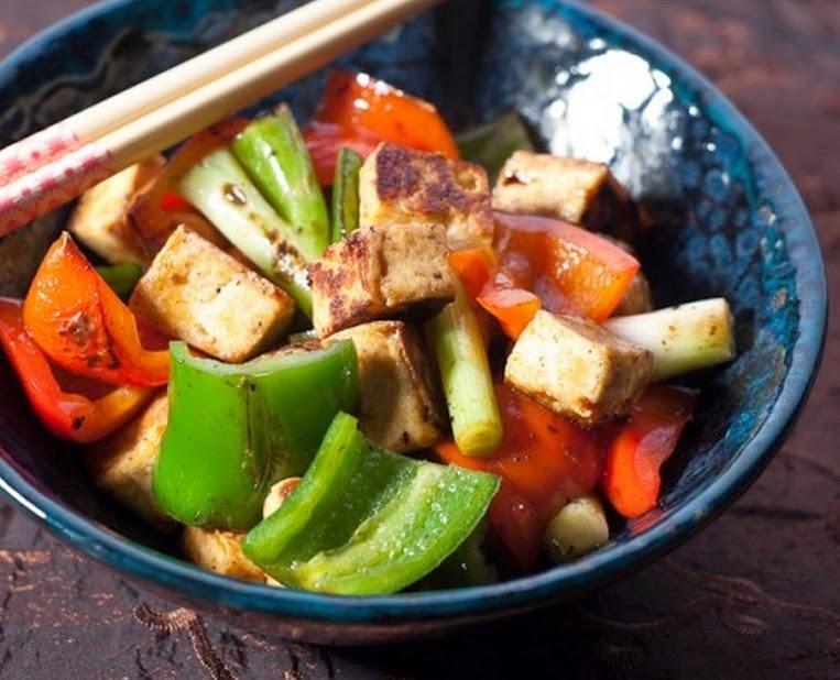 Tofu Picante com Pimentão (vegana)