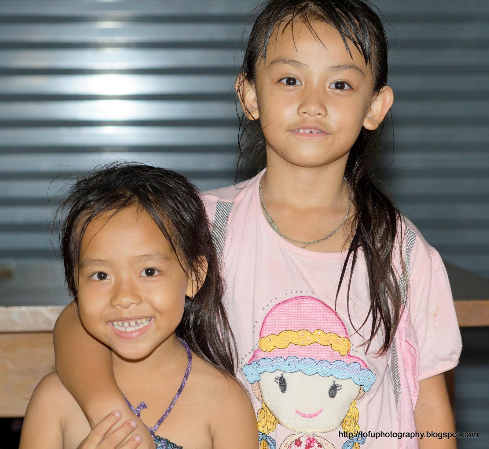 Tofu Photography: Two Thai girls