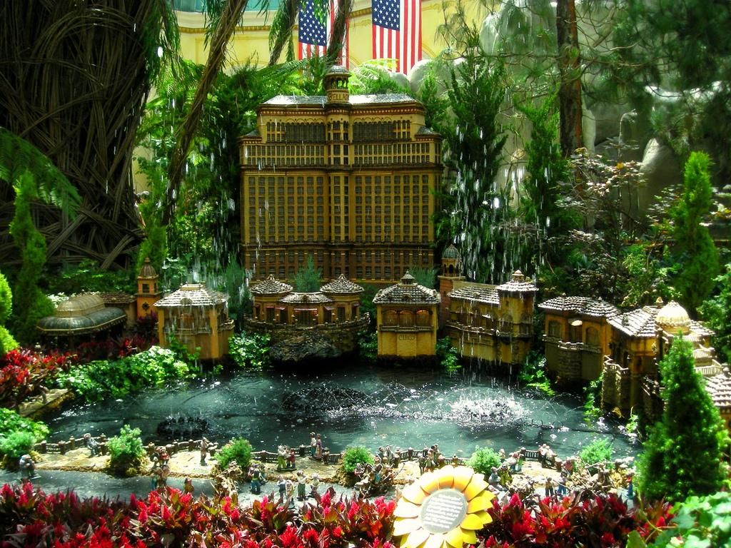 Dance Into Spring At Bellagio S Conservatory Botanical Gardens Biogamer Girl