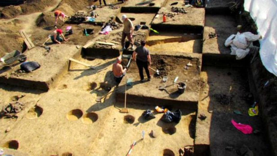 spot dating archaeology Archaeology 101 introduction archaeology is the study of past cultures through the material able, fixed spot at a known elevation above sea level excava-.