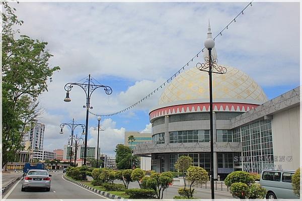 Malay kat hotel untuk romen - 1 4