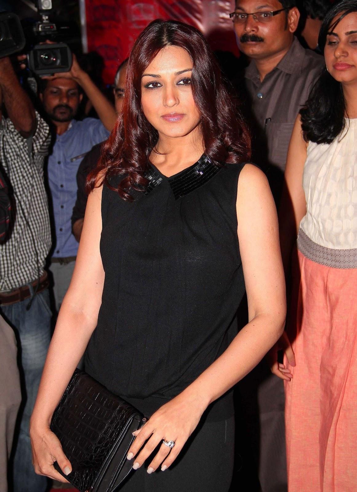 Bollywood Hot actress Sonali Bendre Hot Images