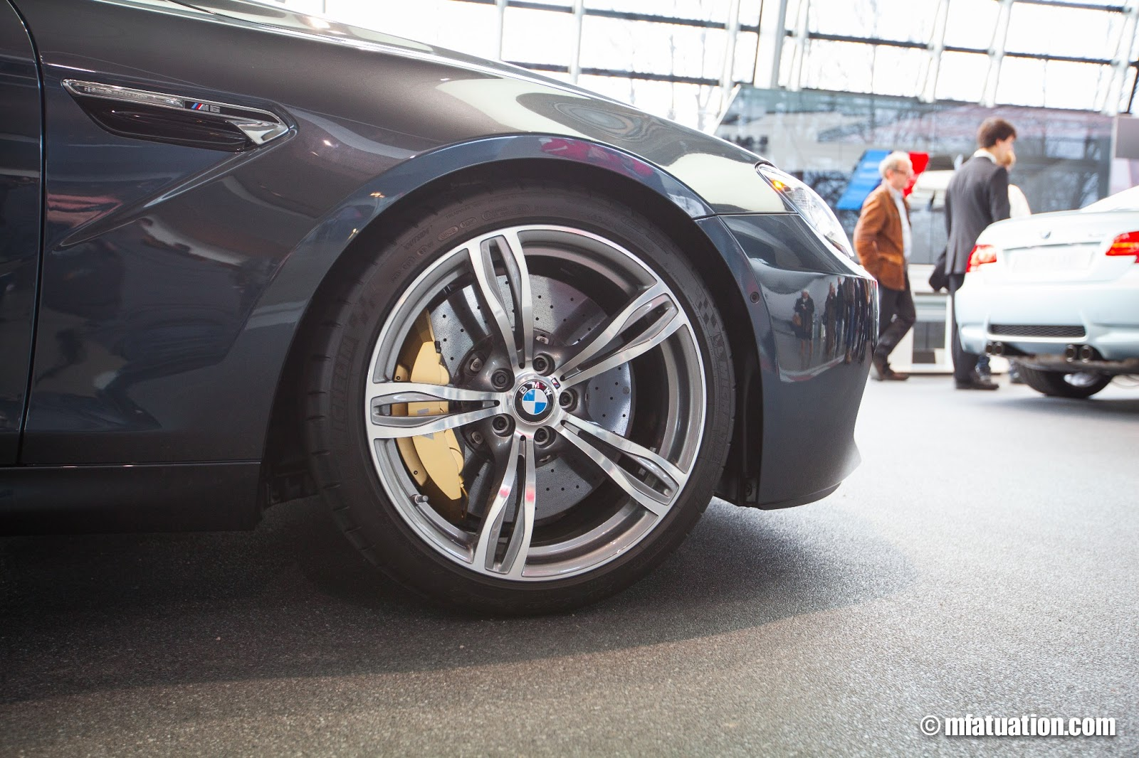 The F06 M6's massive carbon ceramic brakes.