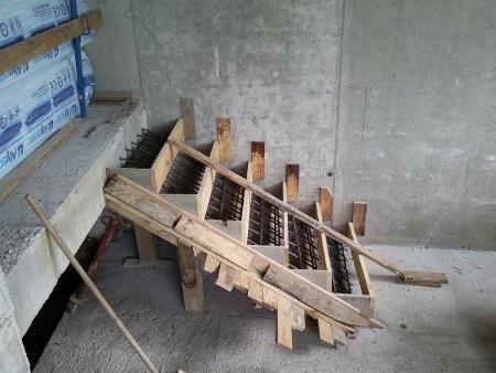El maestro de obras xavier valderas hacer escalones de for Planos de escaleras de hormigon