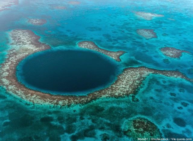 L'abisso blu in Belize