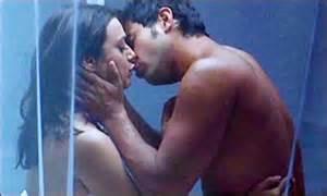 Mp4 Very Romantic Hindi Scene.Online 3Gp Very Romantic