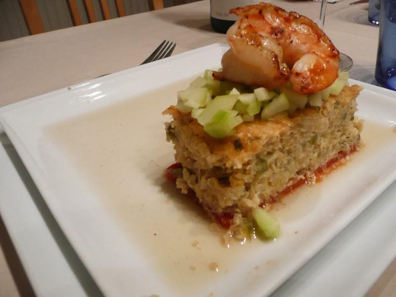 Galette de quinoa, agar de tomates, tartare de concombre, grosse ...