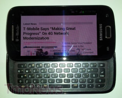 Smartphone full qwerty di Samsung con ics 4.0.4