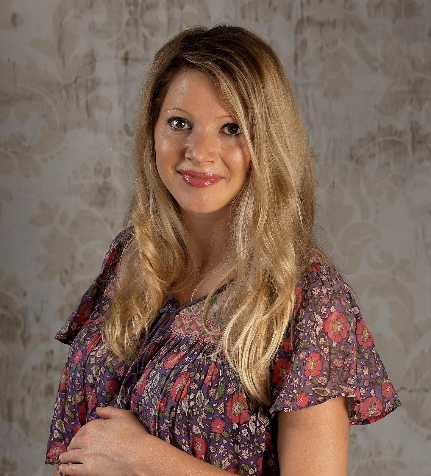 http://1.bp.blogspot.com/-WRb_LCSlR2E/T2exBMBcNLI/AAAAAAAABKY/Mi3_Met-4VI/s1600/pregnancy%2Bphoto.jpg