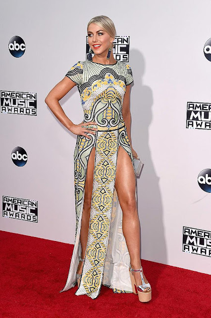 Julianne Hough AMAs 2015