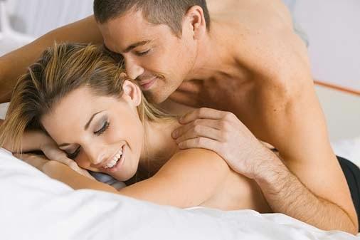 4 Manfaat Rutin Melakukan Hubungan Intim bagi Pasangan