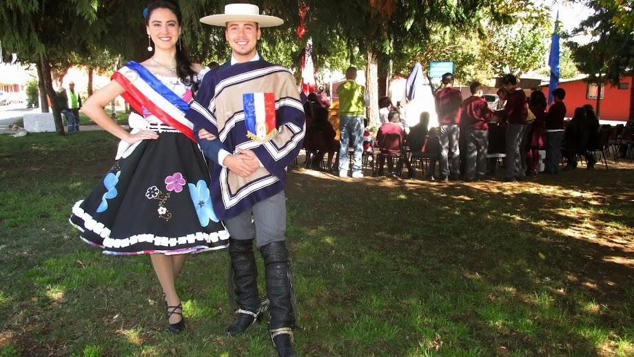 Campeones sancarlinos de cueca en inauguración de busto a Gabriela Mistral