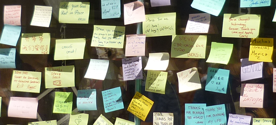 Some of the hundreds of notes posted to the Apple Store on Michigan Ave.