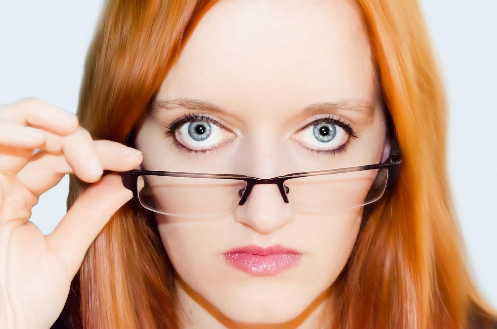 Líčení s brýlemi