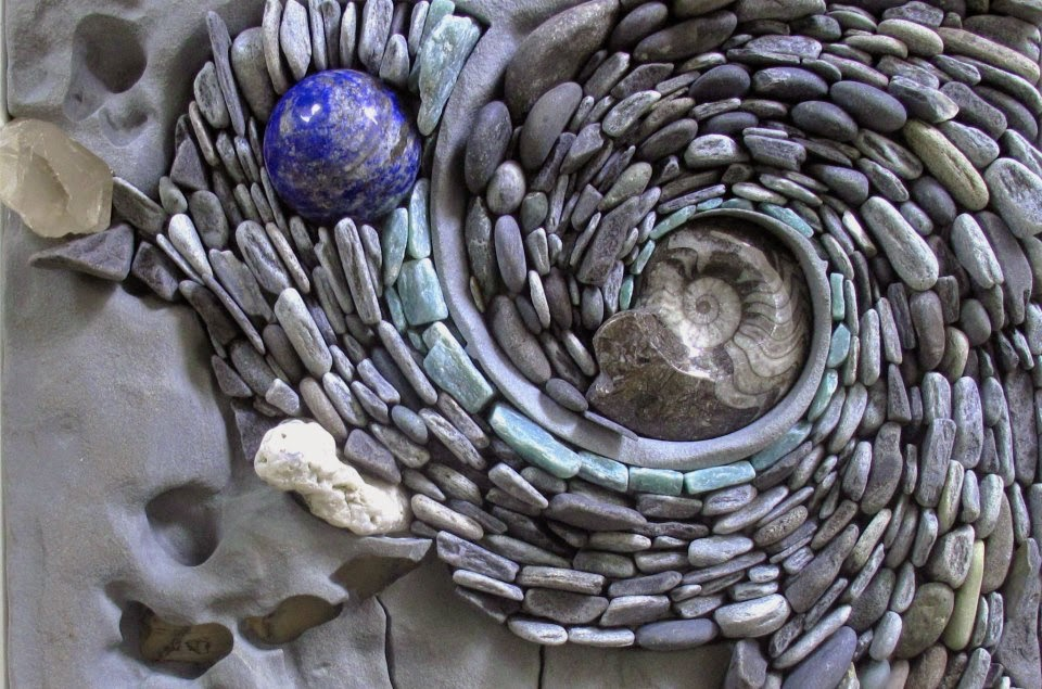 SKILLER LOOK: The Ancient Art of Stone-Rock Wall Art Installations