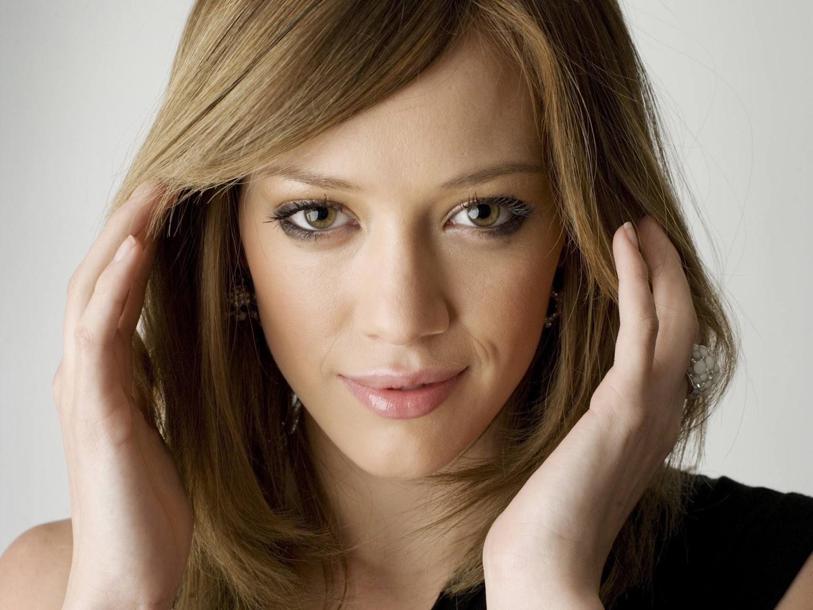 Hilary Duff Smiling