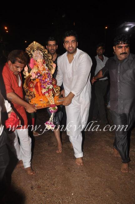 Shilpa Shetty & Raj Kundra Celebrate Ganesh Utsav Photos