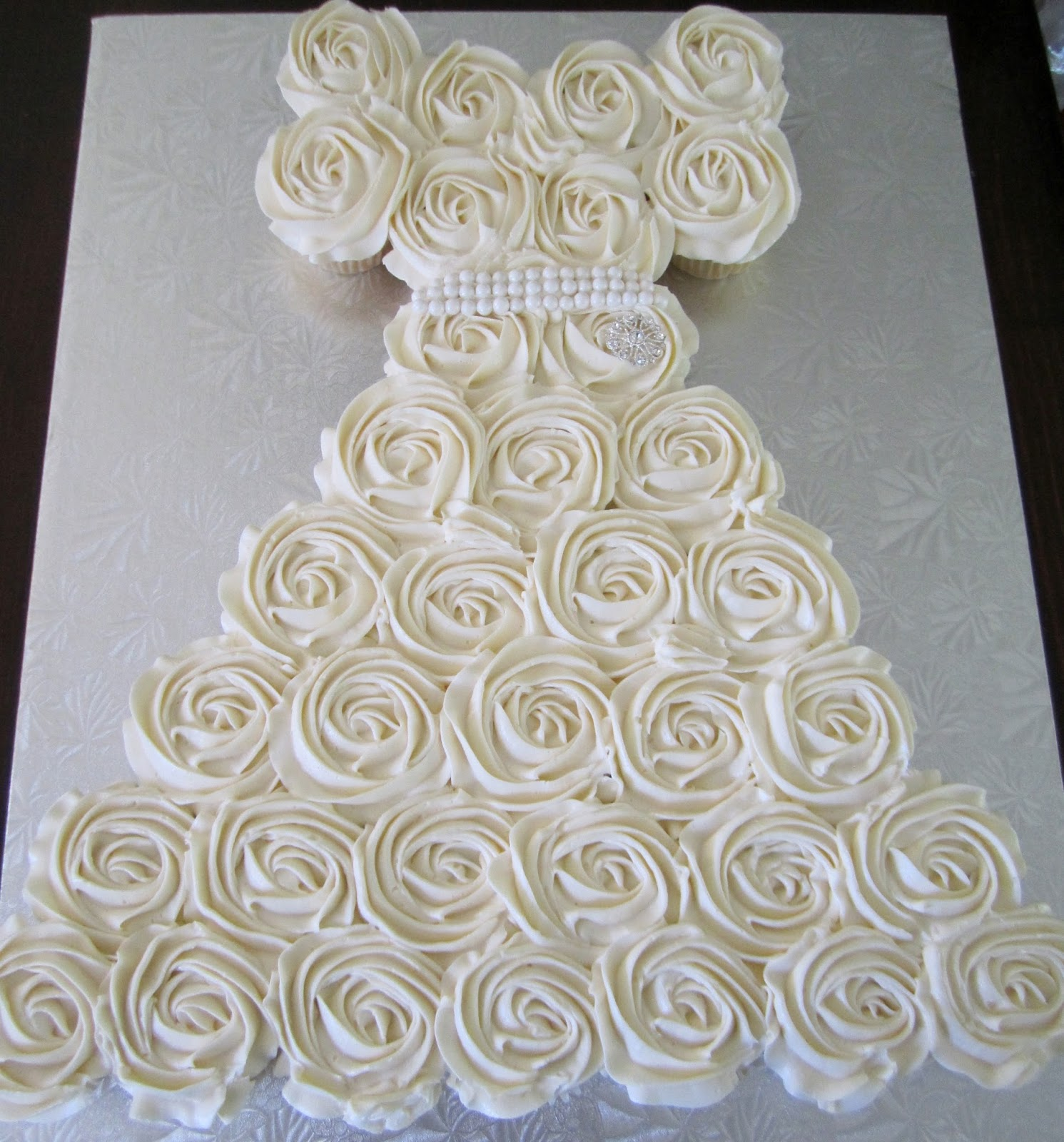 cakesor something like that: bridal shower cupcake wedding