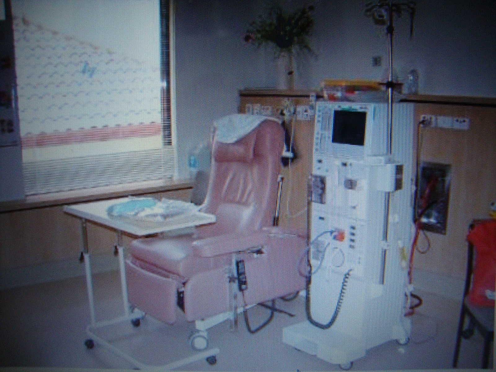who invented dialysis machine