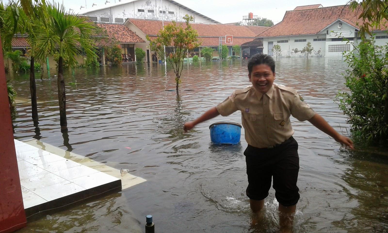 MAN 1 Semarang Kebanjiran