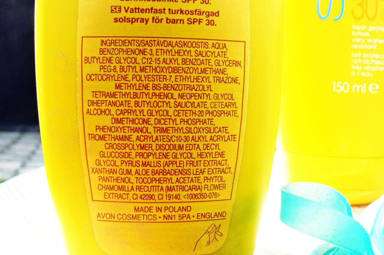 Kolorowe wodoodporne mleczko ochronne w sprayu dla dzieci SPF30 - AVON SUN + Kids skład