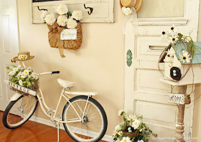 bike+4 Junk chic cottage home tour in Chicago