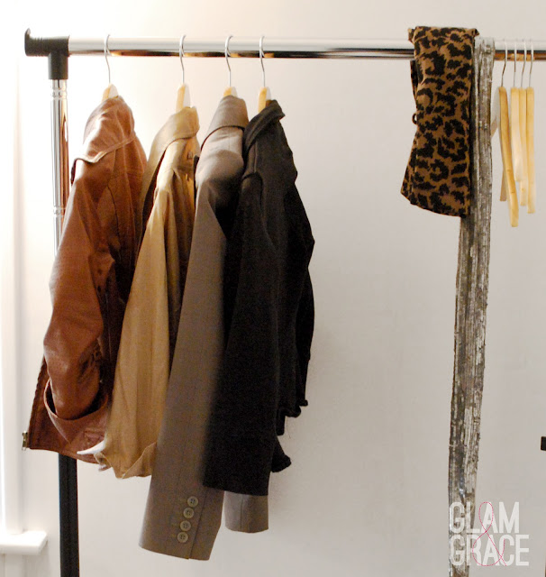DIY Dressing Room - clothes rack